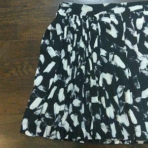Banana Republic pleated black skirt size 8